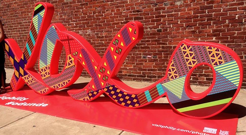 xoxo Philadelphia art sculpture on display